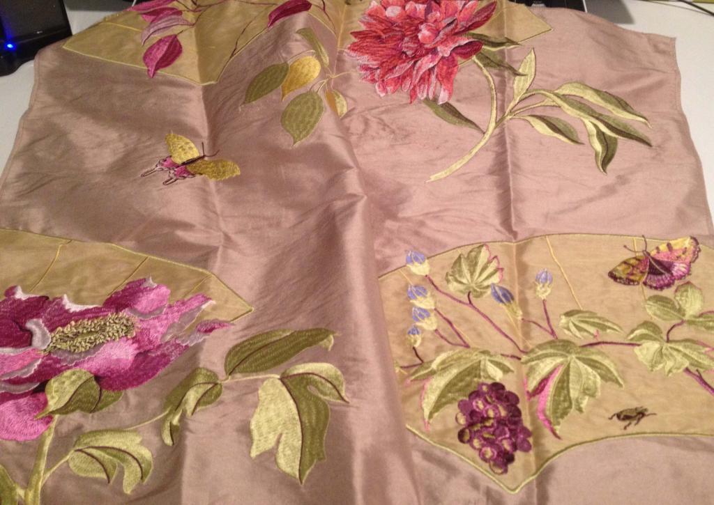 theresa seabaugh interiors, Brooklyn Interior Designer, embroidered silk, asian design, GP&JBaker fabric