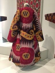 Ikat robe Power of Pattern LACMA 2019_preview